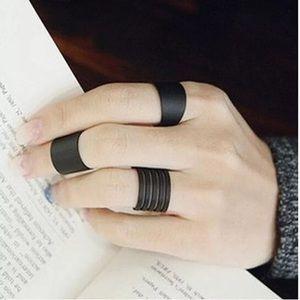 5/$12 ❤️ 3pc Black Boho Style Adjustable Ring Set